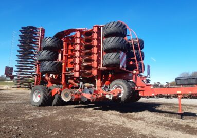 Kverneland U-Drill with fertilizer application 6 m,  stands as new