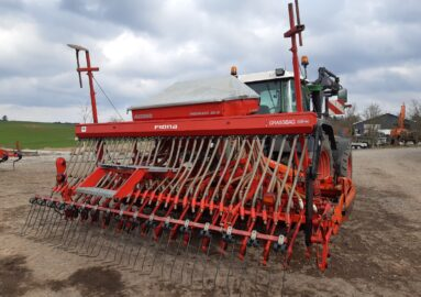 Accord DA-S / Kuhn HR 4002 med Grassbag